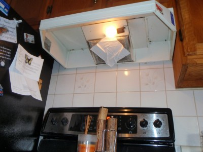 Filter on range hood - testing flow with tissue